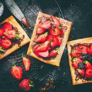 Air Fryer Nutellea Strawberry Tart